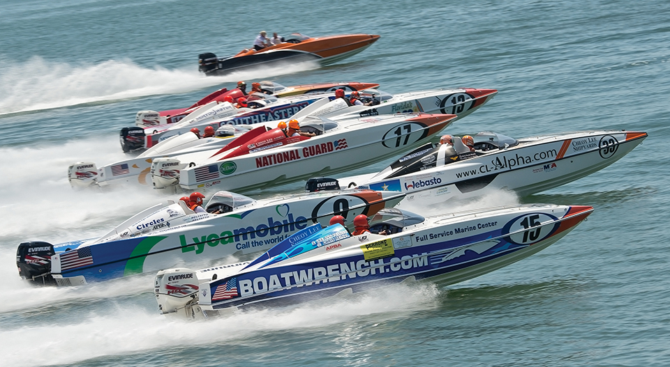 Powerboats race in Sarasota; Photograph by Tim Britt