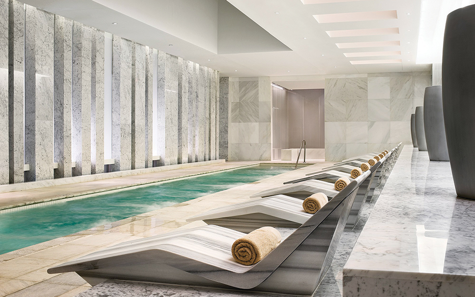 Fontainebleau Lapis spa essence mineral co-ed jet pool; Photgraphy the Fontainebleau