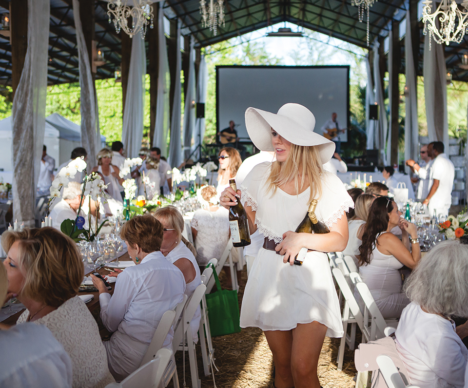 Swank Table's annual spring fling for 200 plus guests-Diner en Blanc in Loxahatchee; Photography by Gyorgy Papp Photography