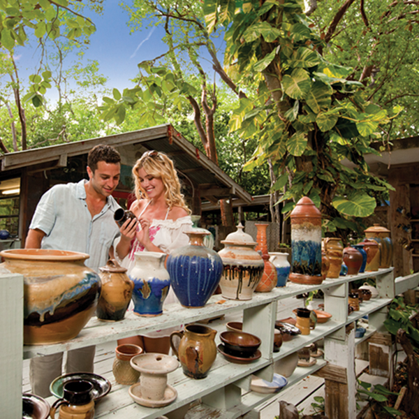 Local pottery at an open-air market; photography Florida Keys & Key West