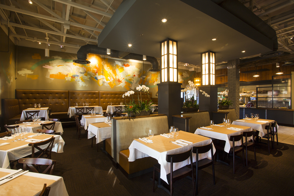 Upscale elegance at Winter Park's Ravenous Pig; Photography by Michelle Reed