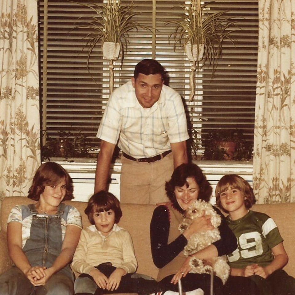 Hale as a kid with his mom, dad, two siblings and dog